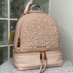 🔥𝐏𝐀𝐑𝐓𝐘 𝐒𝐀𝐋𝐄🔥Michael Kors Backpack